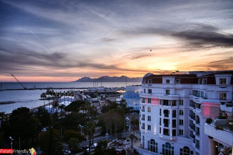 Hotel a Cannes - Hotel Barrière Le Majestic di Cannes vista sull'hotel dalla camera