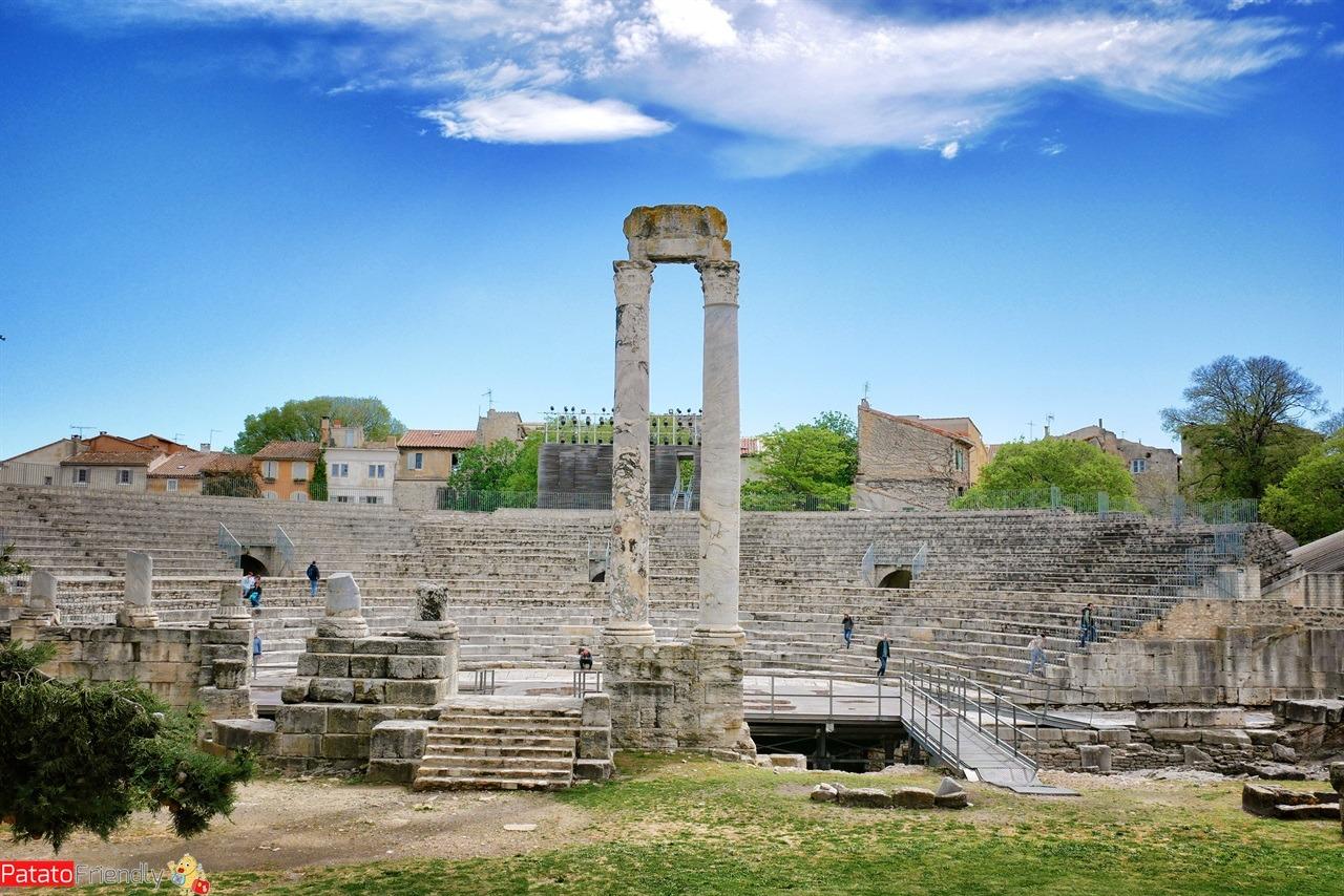 Teatro Antico di Arles da vedere in Camargue