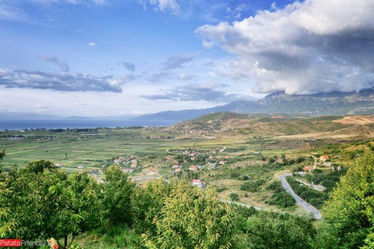 panorama sul lago Orhid