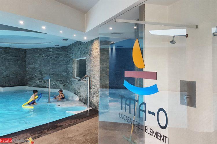 Ingresso dell'hotel Tata O Family spa