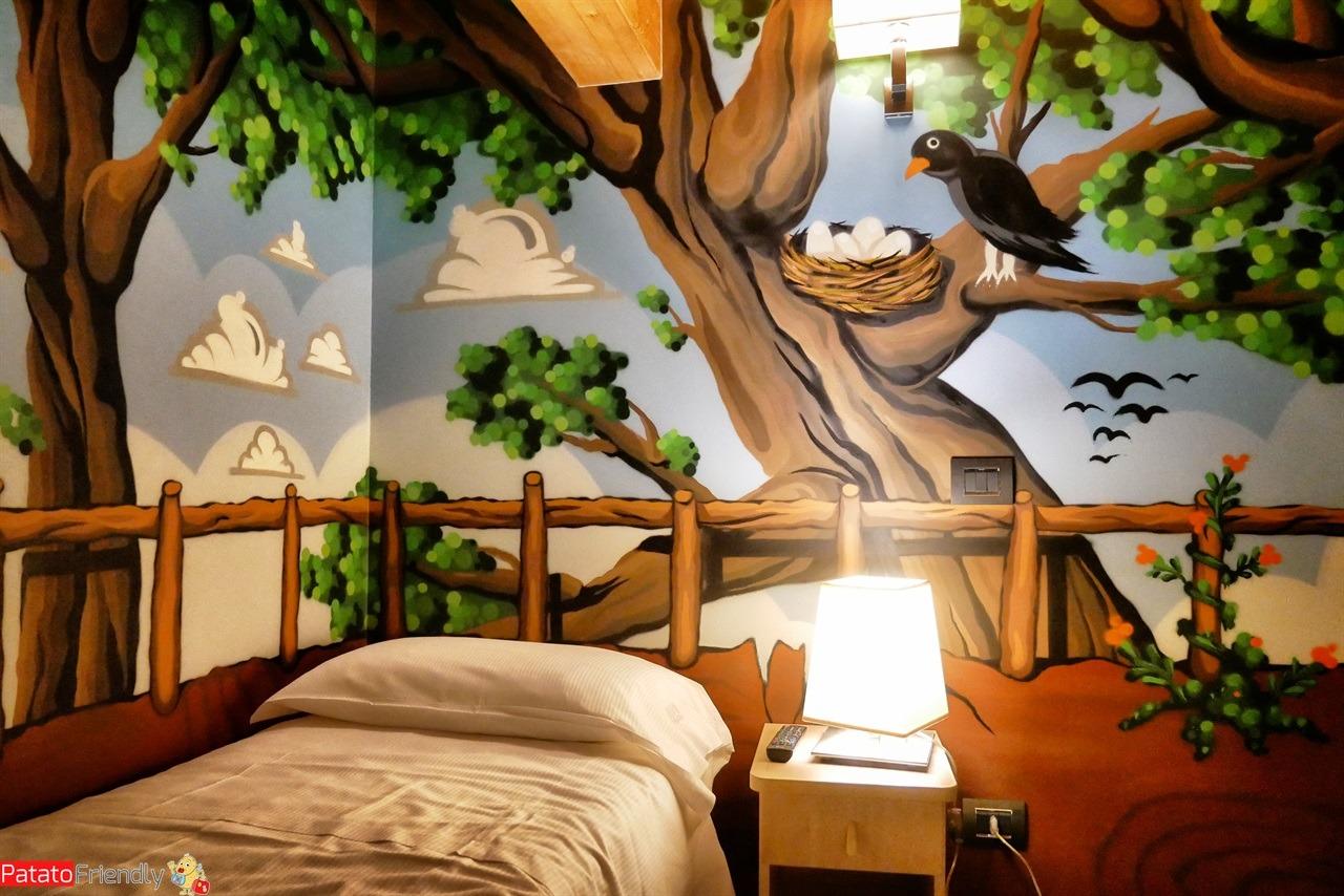 Particolare della suite dell'Harmony Suite Hotel di Selvino