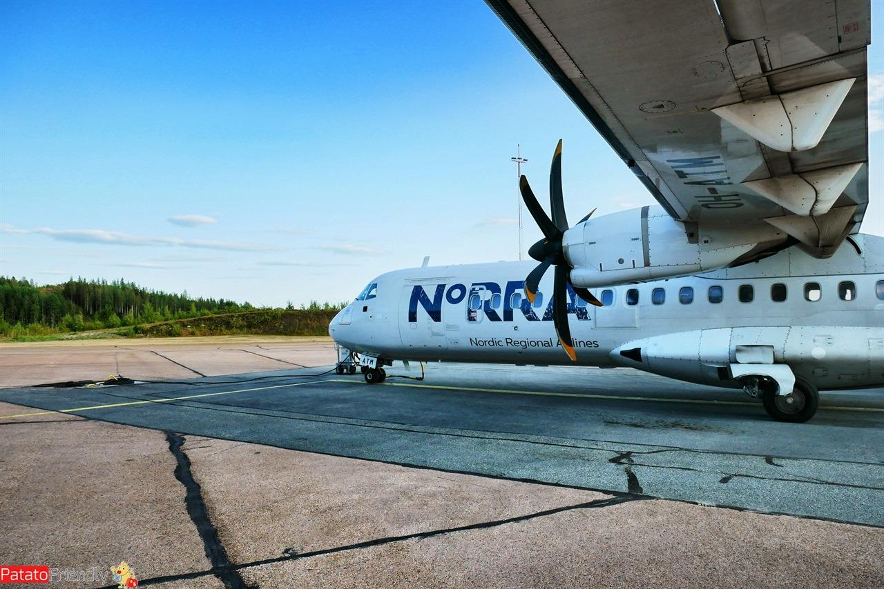 aereo con elica aeroporto di Helsinki